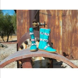 New Womens UGG Johnna Graffiti Emerald Green Sz 7